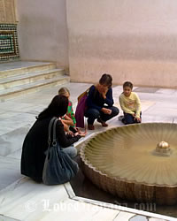 gardens of her Alhambra in granada for children to play