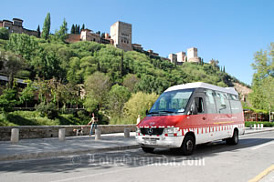 get to alhambra by tourist train o bus