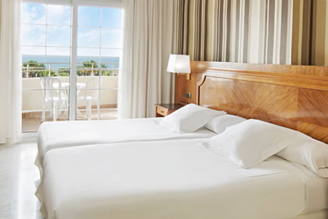 luxury room in four star hotel elba motril