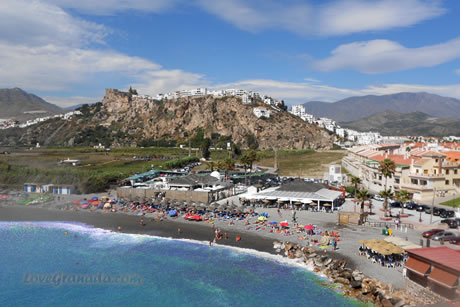 beach guardia and old salobreña town from peñon