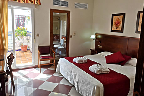 suite in hotel avenida tropical in salobreña