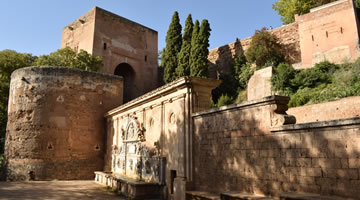 alhambra surroundings tour