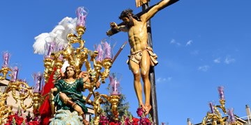 holy tuesday processions in granada