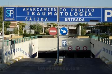 entrance and exit of the traumatology parking