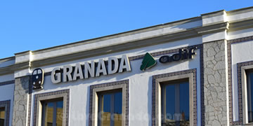 the buiding of granada train station